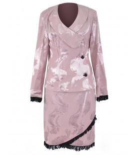 Costum lila cu dantela aplicata