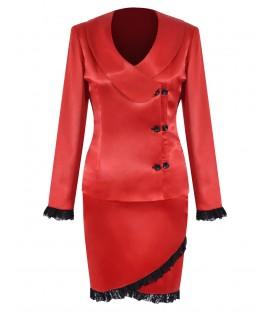 Costum rosu cu dantela